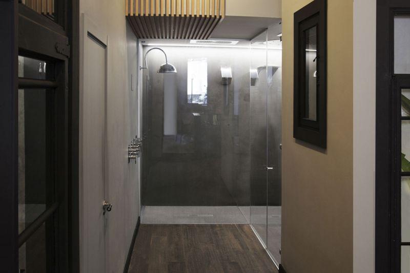 arquitectura Espacio Flagship Store de Ramon Soler en Barcelona fotografia interior pasillo