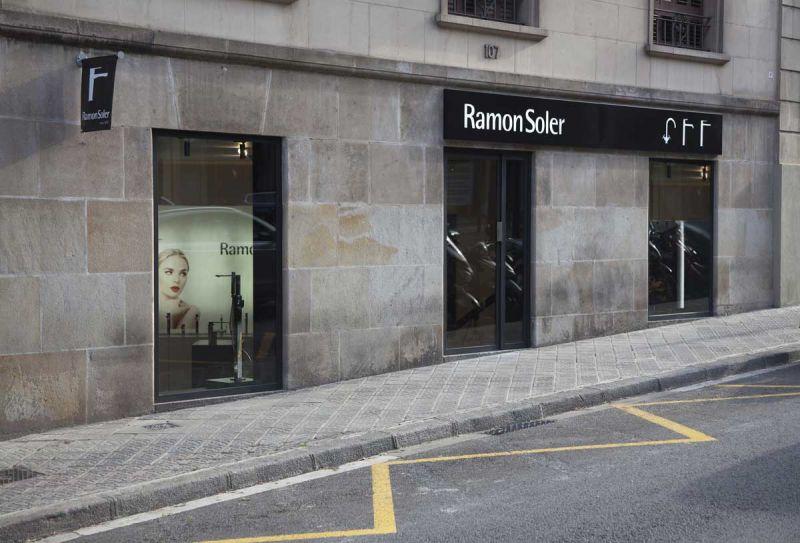 arquitectura Espacio Flagship Store de Ramon Soler en Barcelona fotografia exterior