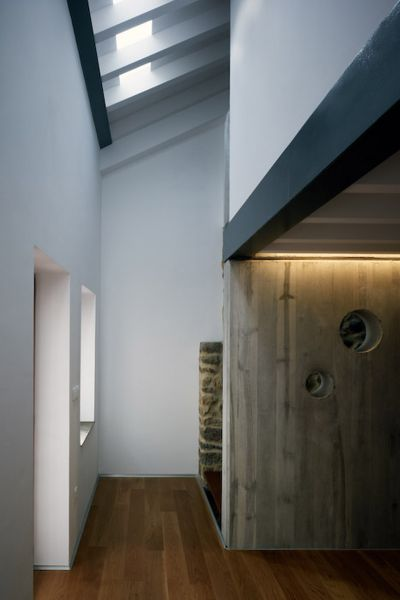 Arquitectura_ Rehabilitación Casa en Porto de Bares_imagen muro hormigón