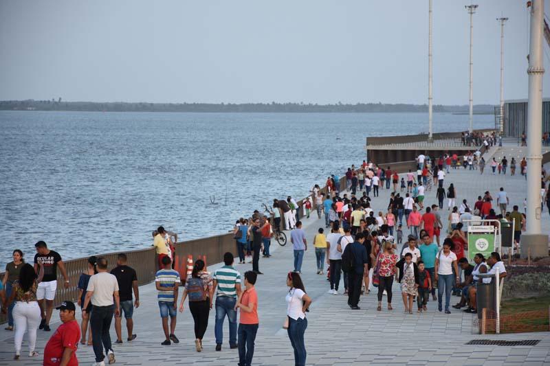 Arquitectura rehabilitación Malecon Barranquilla_vista del malencon rio magdalena