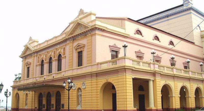 arquitectura_ Rehabilitación teatro nacional_Panama_ imagen desde la esquina de fachada