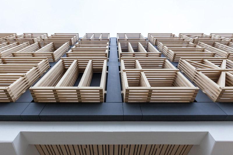 Arquitectura_ remodelación_edificio 27E _detalle de parasoles