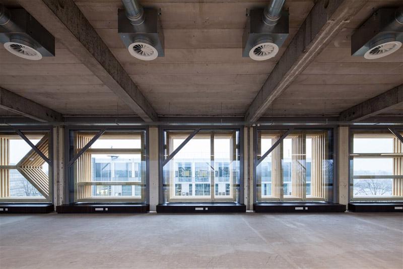 Arquitectura_ remodelación_edificio 27E _ventanales desde el  interior