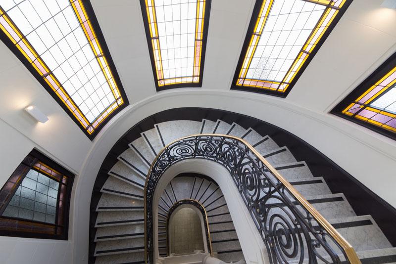 Arquitectura_Restatauración _Palacio Alamos_ Chile_imagen cristaleras y escalera