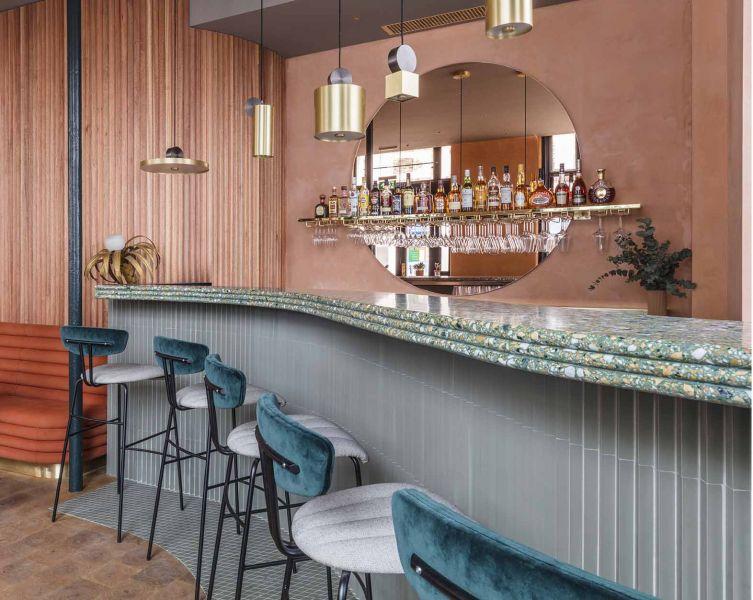 Restaurante Omar's Place diseñado por Sella Concept