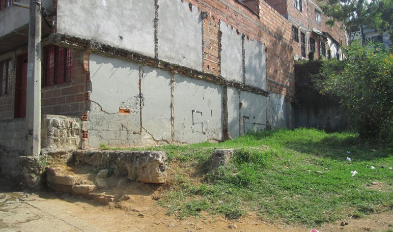 Arquitectura_quebrada-la-carevieja-comuna-1-antes de la recuperacion