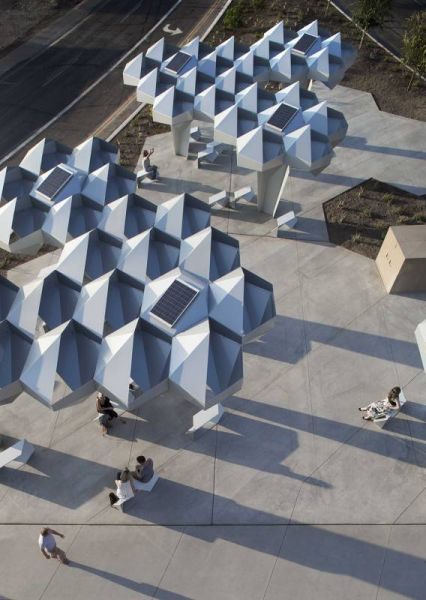 arquitectura_Shadow-Play-by-Howeler-and-Yoon-Architecture_paneles solares