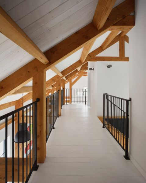 arquitectura_ Silo House - Caledon Build _ corredor