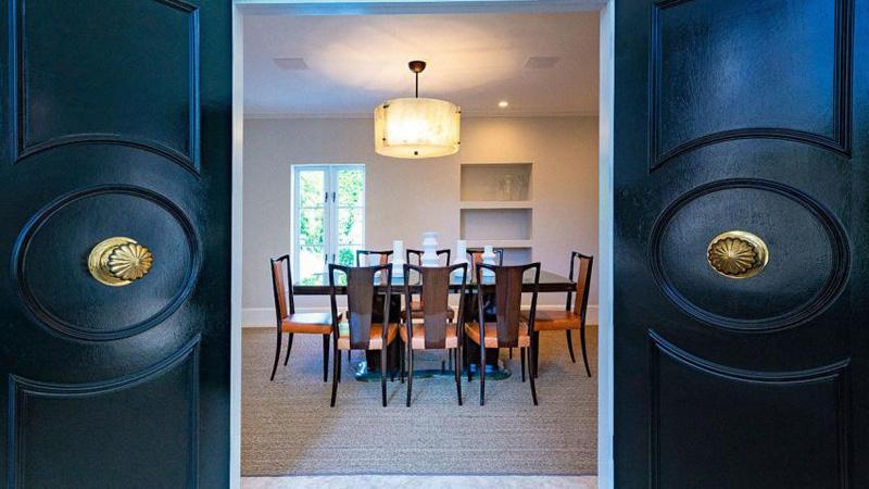 arquitectura_Skinner House_ rehabilitacion art deco_ miami _ puertas acceso a comedor