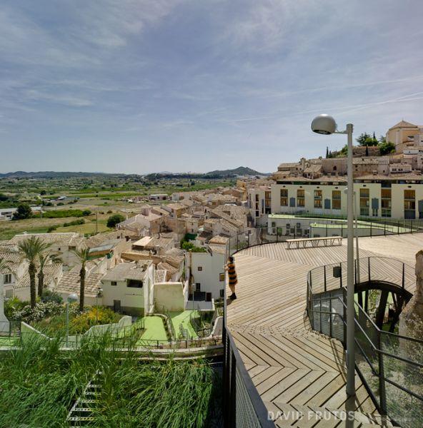 arquitectura sostenible_el jardín que produce agua-plataforma vistas
