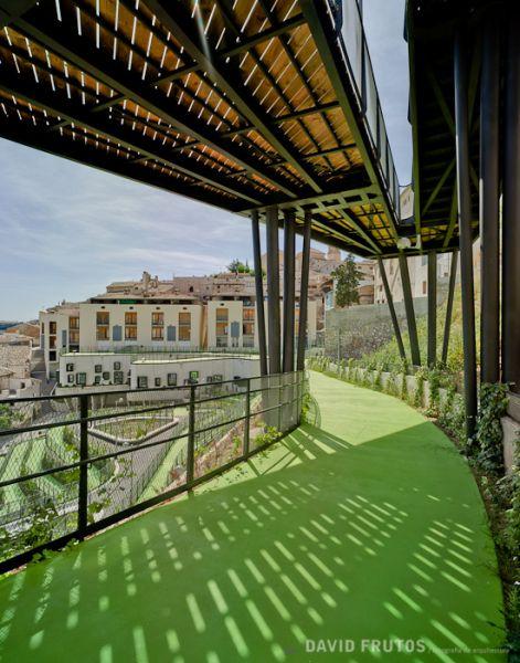 arquitectura sostenible_el jardín que produce agua-plataformas 3