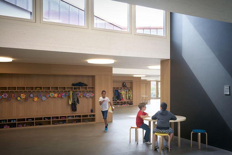 arquitectura sostenible_escuela Suiza_Skop_acabados