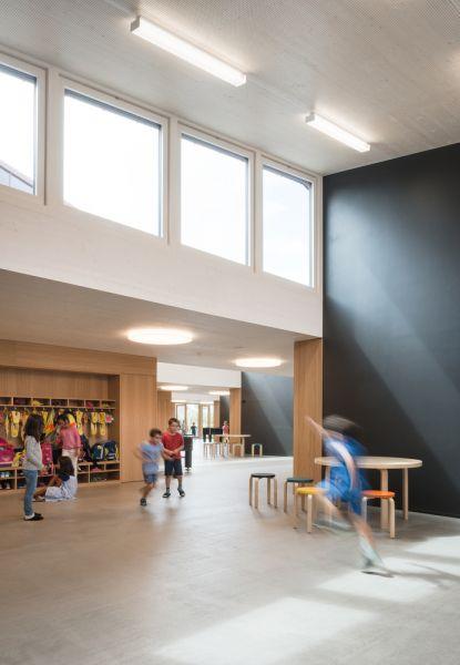 arquitectura sostenible_escuela Suiza_Skop_tragaluces