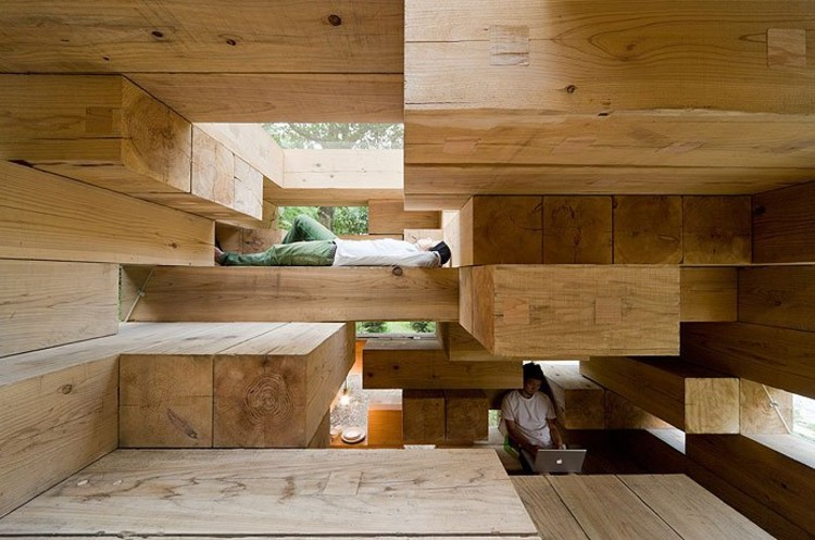 Arquitectura Sou Fujimoto_Final Wooden House_interior_Iwan Baan