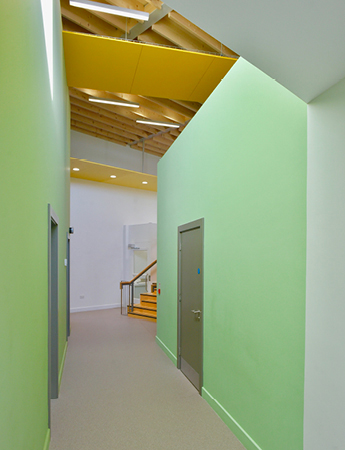 arquitectura_St Bronaghs Primary School_corredor