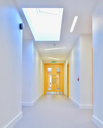 arquitectura_St Bronaghs Primary School_lucernario