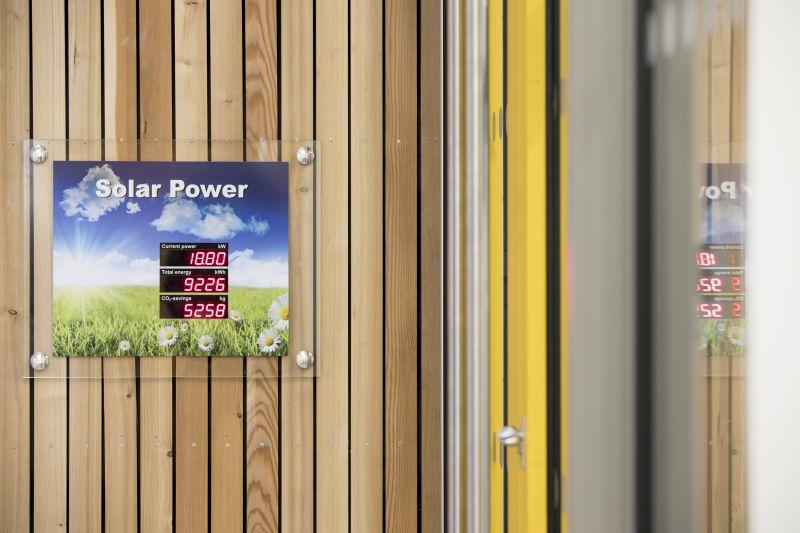 arquitectura_St Bronaghs Primary School_control energía