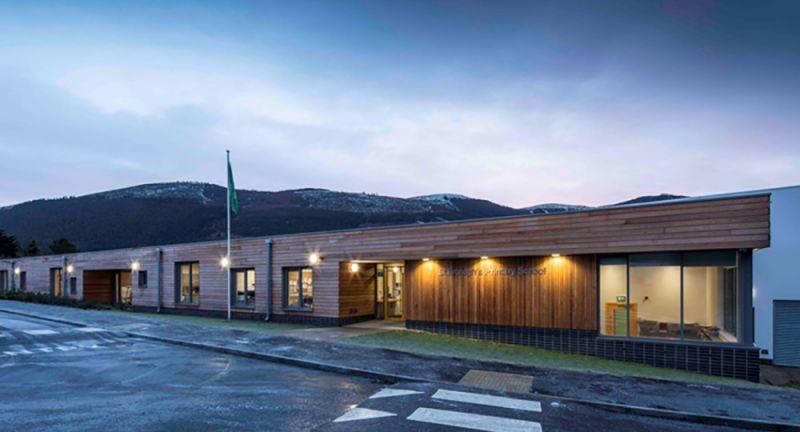 arquitectura_St Bronaghs Primary School_fachada