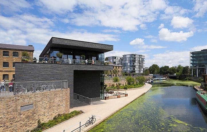 arquitectura_Stanton Williams_Kings Cross Pavilion_3 niveles de terrazas