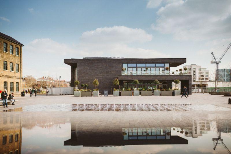 arquitectura_Stanton Williams_Kings Cross Pavilion_cierre de la plaza