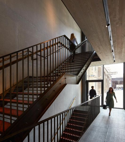 arquitectura_Stanton Williams_Kings Cross Pavilion_interior_carácter industrial