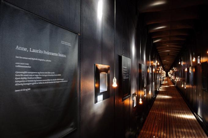 Memorial Steilneset Peter Zumthor y Louise Bourgeois arquitecturayempresa interior