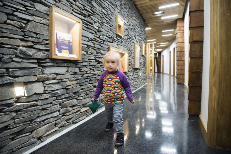 arquitectura_Sunbeams music centre_corredor interior2