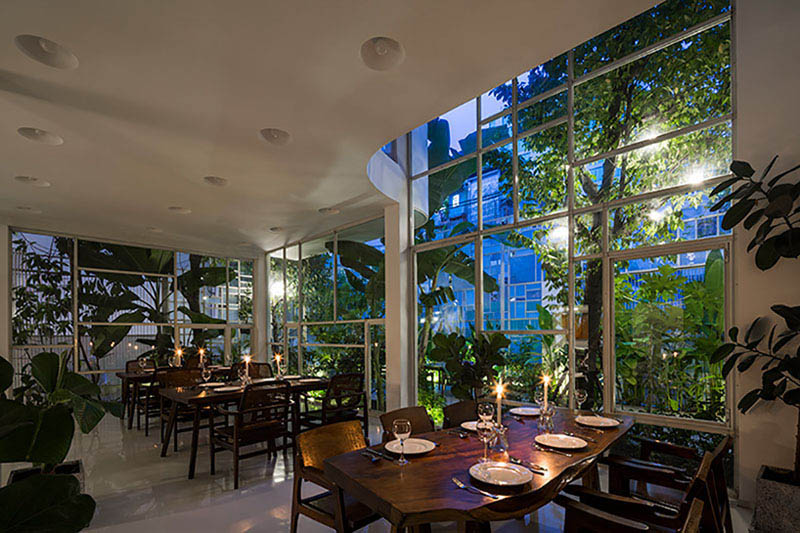 Arquitectura_t-house-keintruc _interior restaurante-patio