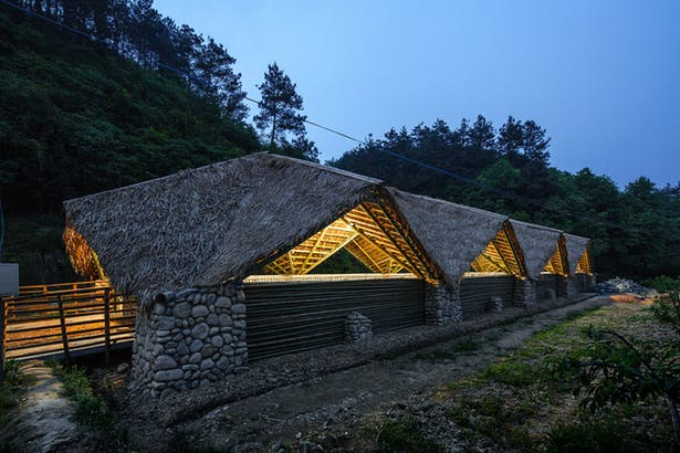 arquitectura_Taiyang_Organic_Farming_Commune_conjunto noche