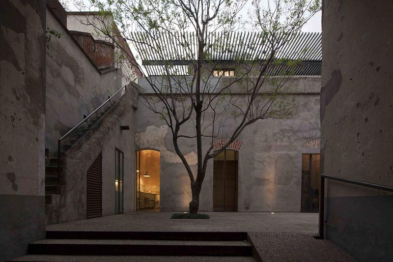 arquitectura_Tecolote_patio y escalera