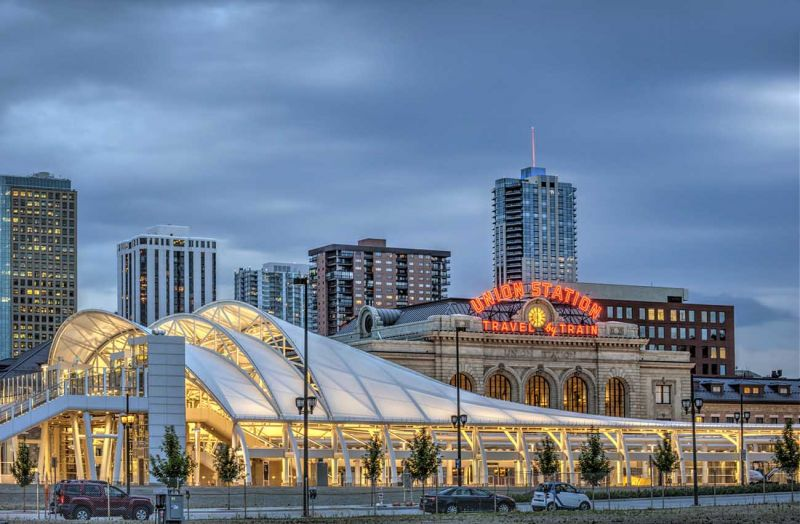 Arquitectura_The Crawford Hotel – Denver Union Station_imagen general nocturna