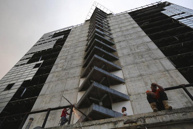 Arquitectura_Torre David_Caracas_ vista desde abajo