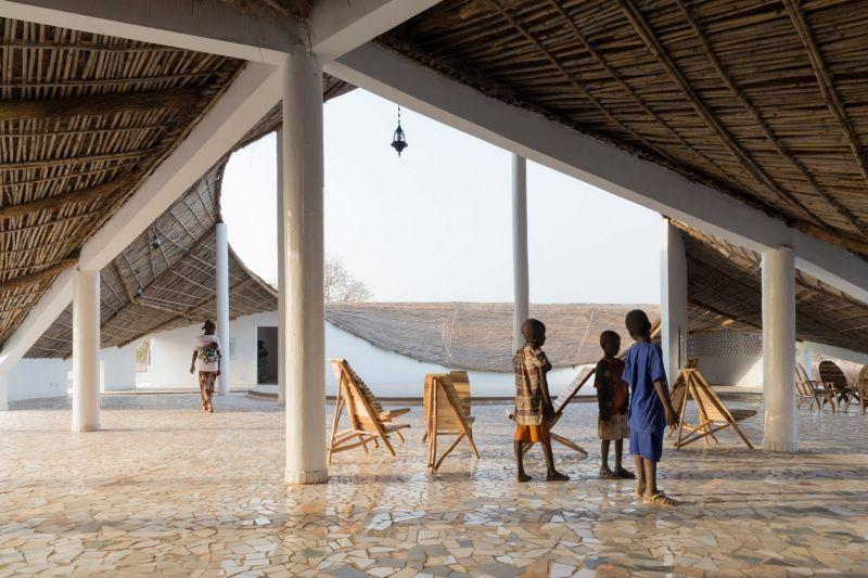 arquitectura_toshiko mori_centro cultural en senegal_pavimentos