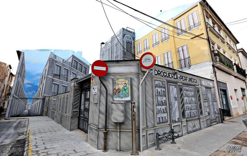 Arquitectura esquina recuperad con trampantojo Elda