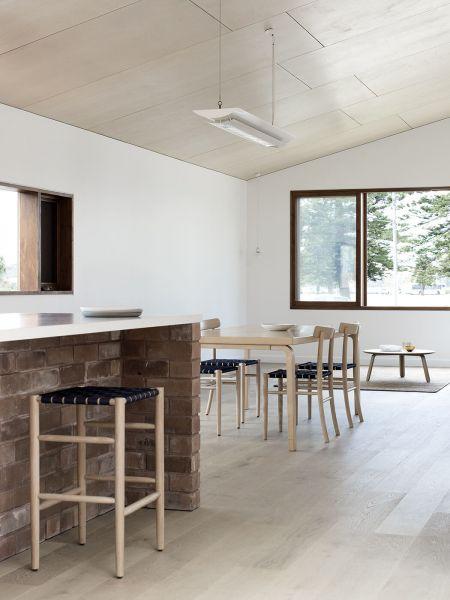 arquitectura_TRIAS_THREE PIECE HOUSE_cocina comedor