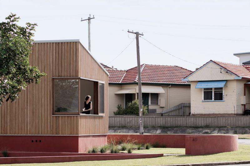 arquitectura_TRIAS_THREE PIECE HOUSE_fachada entorno