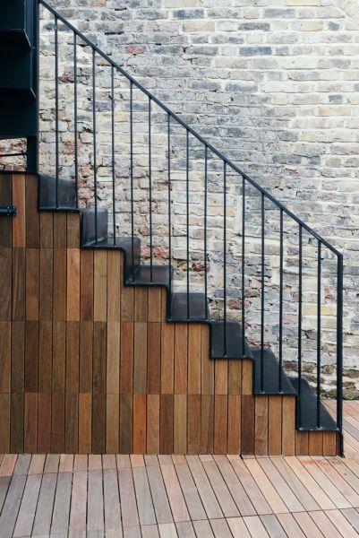 arquitectura_tsuruta_escalera ext alamcenamiento
