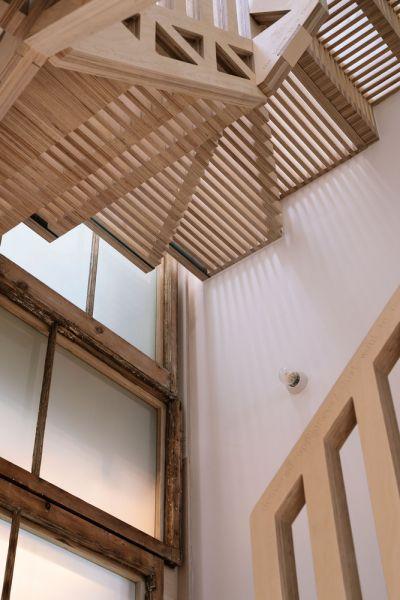 arquitectura_tsuruta_escalera tabiques luz
