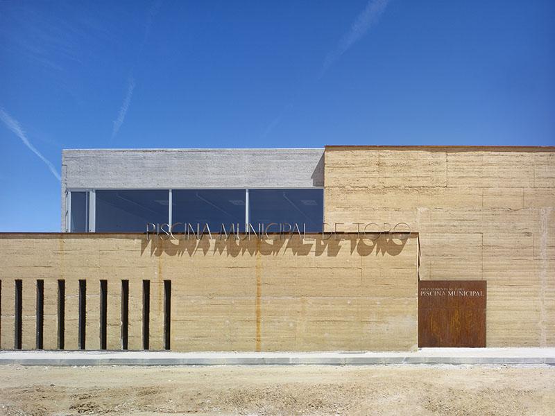 Piscina municipal de toro de vier arquitectos arquitectura for Piscinas toro
