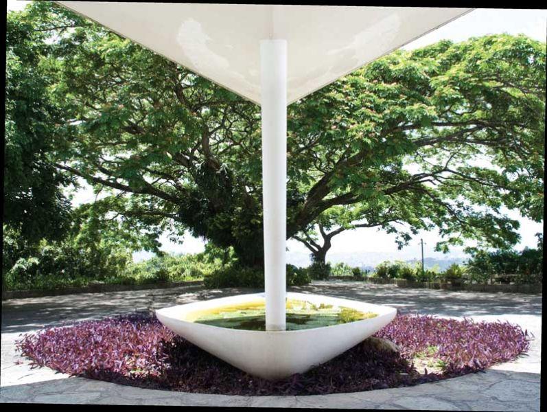 Arquitectura_Villa Planchart _G.Ponti vista de jardinera y visera