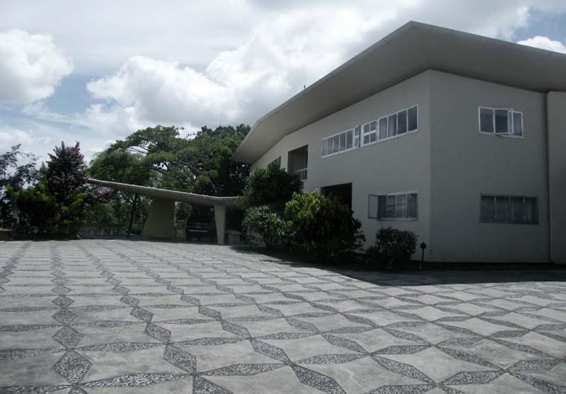 Arquitectura_Villa Planchart _G.Ponti _imagen de fachada y solado exterior