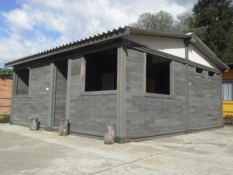 arquitectura_vivienda ladrillos de plástico_vivienda tipo.jpg