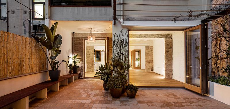Arquitectura y Empresa-Carles Enrich-Casa Galeria Barcelona