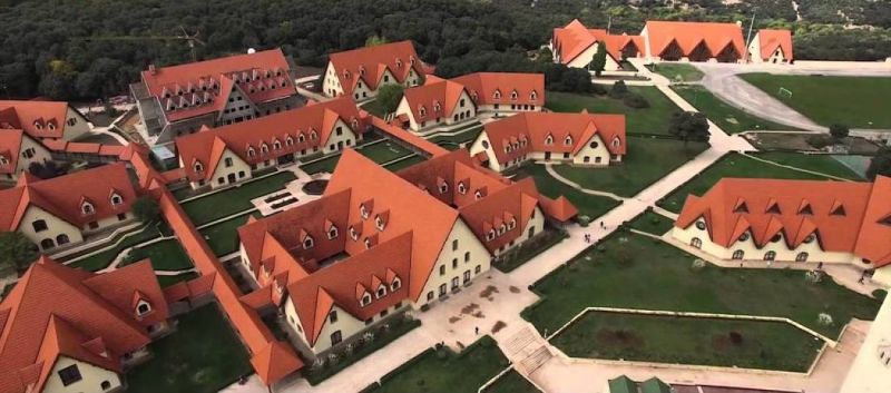 Vista del campus de la Universidad del Akhawayn