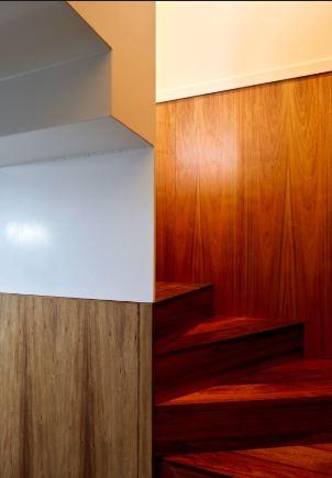 arquitectura_y_empresa_10x10House_escalera