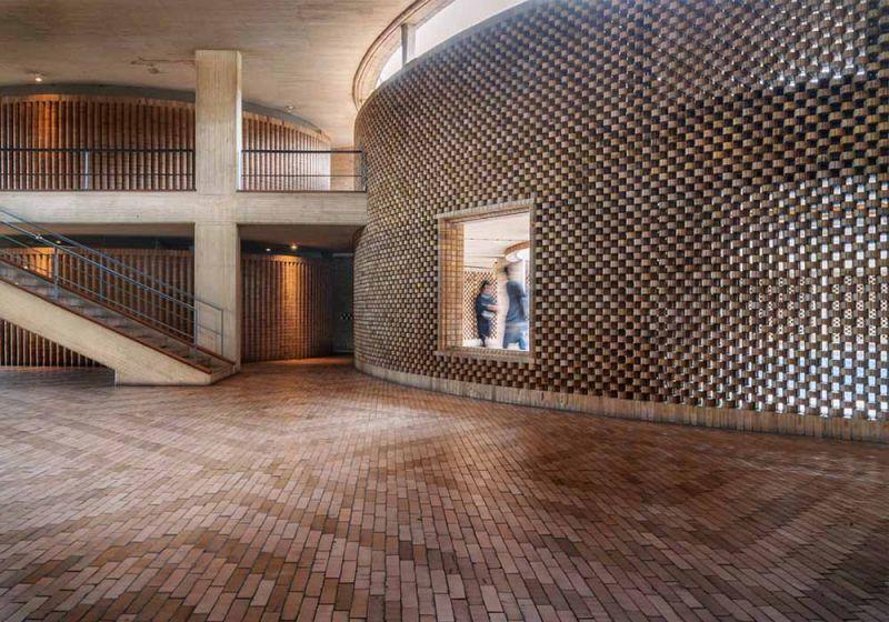 Texturas con ladrillo Edificio Posgrados UNAL