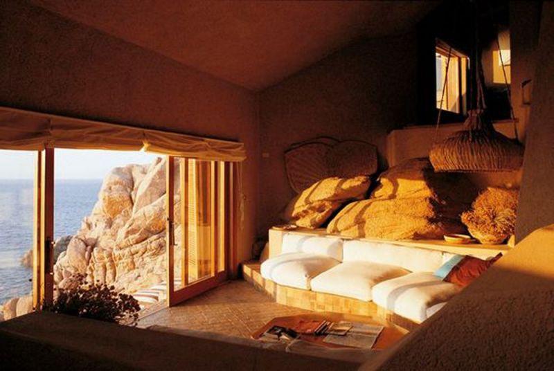 Casa Scalesciana interior y vista del acantilado