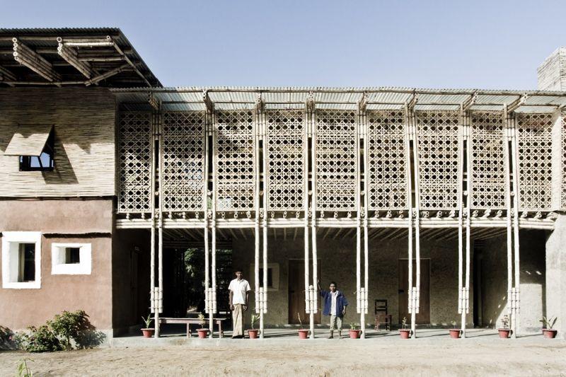 Anna Heringer - Centro de formación DESI (fachada)