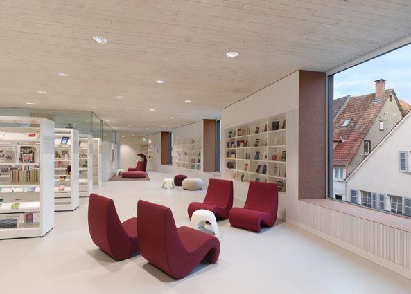 arquitectura_y_empresa_biblioteca Rottenburg_estantes