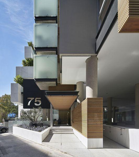 arquitectura bueso inchausti & Rein arquitectos edificio paseo la habana 75 madrid acceso